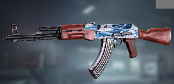 AK47 Skin: Blue Wave in Call of Duty Mobile.